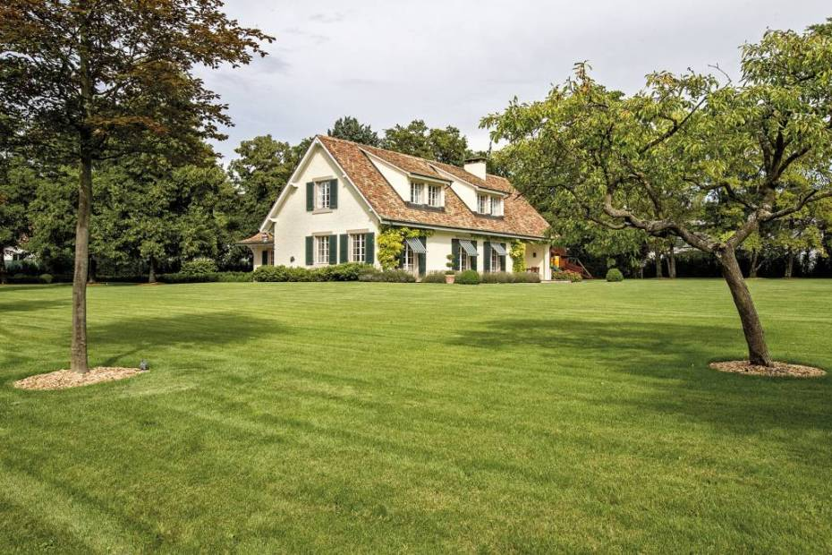 Privacy and tranquility in a sought-after region