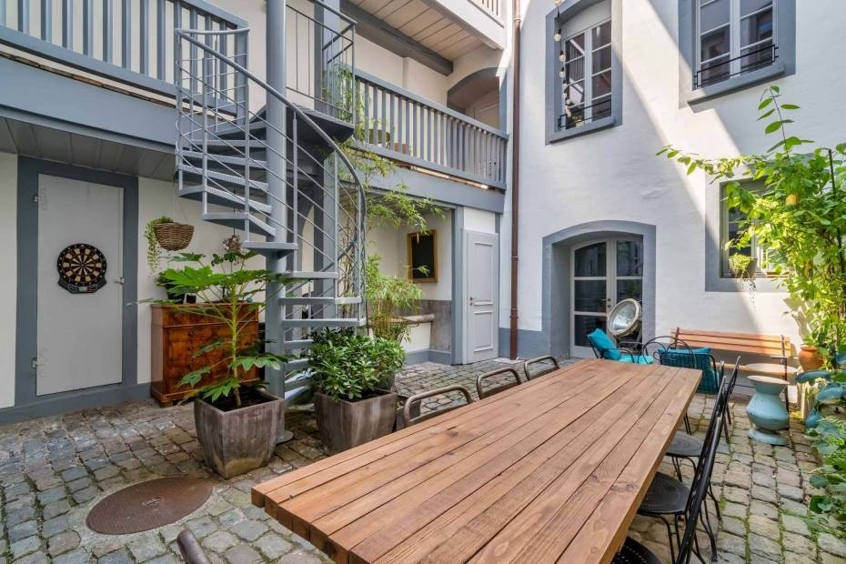 Magnificent eighteenth century bourgeois house for sale in the centre of Vevey