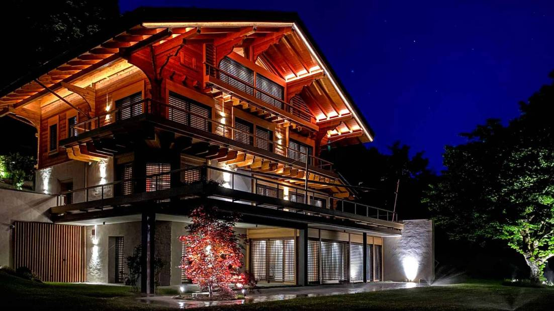 Luxury 10 room chalet with stunning lake view for sale at Mont-Pèlerin