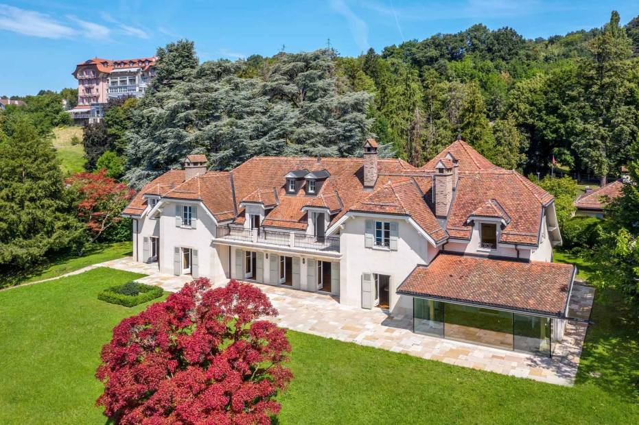 Stupendous 14-room mansion property with caretaker house for sale at Chexbres