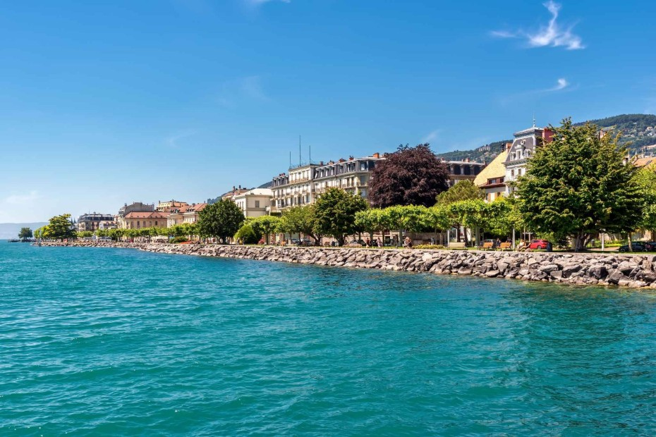 Exceptional 9.5-room triplex apartment with lift for sale in the centre of the old town of Vevey