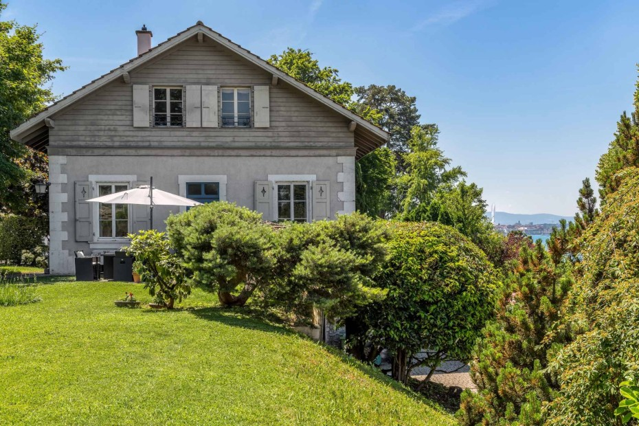 Charming house on the hillside of Cologny