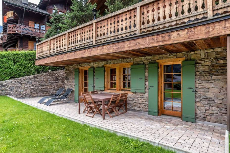 Magnificent chalet near the centre with adjacent apartment